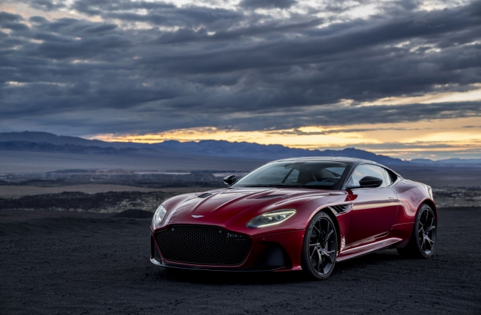 2019_AM_DBS_Superleggera_00.jpg