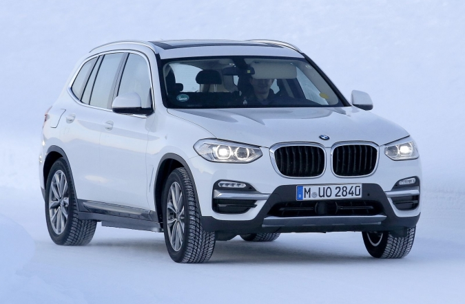 2018_BMW_iX3_spy1_00.jpg