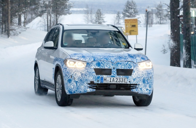 2019_BMW_iX3_spy4_01.jpg