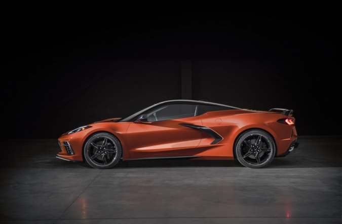 2019_corvette_stingray_05.jpg