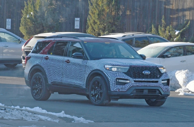 2018_ford_explorer_ST_spy2_01.jpg