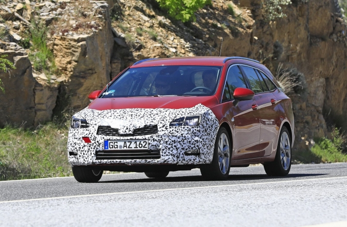 2019_opel_astra_sports_tourer_spy1_00.jpg