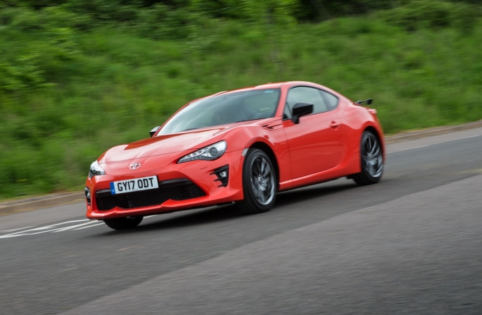 2017_toyota_GT86_orange_edition_15.jpg