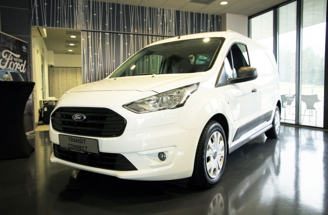 2018_domača%2520premiera_ford%2520tourneo%2520connect%2520in%2520tourneo%2520courier_(01).JPG