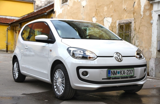 DOM-volkswagen_up-01.JPG