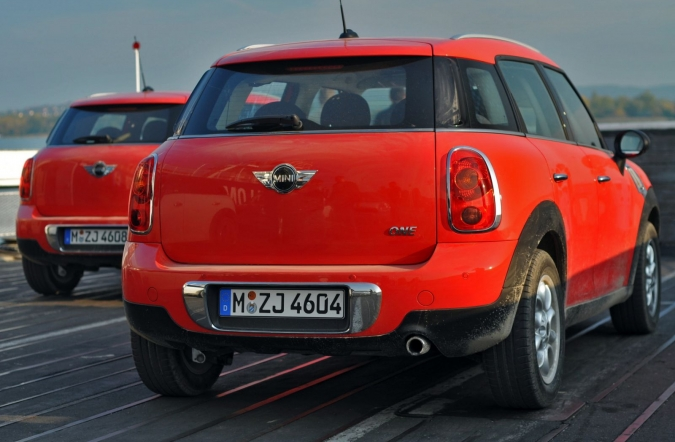 mini_2010_countryman_medn_01.JPG
