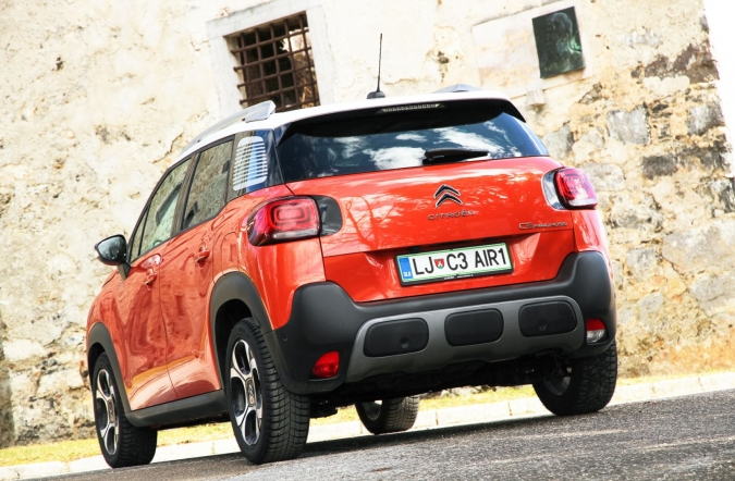 2018_test_citroen%2520C3%2520aircross%2520BlueHDi%2520100%2520BVM%2520shine_(01).JPG