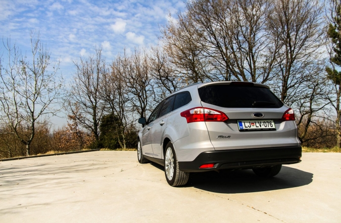 TEST-ford%2520focus%2520karavan-01.jpg