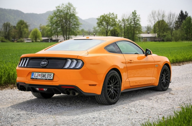 2019_test_ford%2520mustang%2520GT%25205_0%2520V8%2520AT%2520fastback_(01).JPG