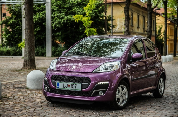 /sik-model-peugeot-107-1-0-vti-urban-move.jpg