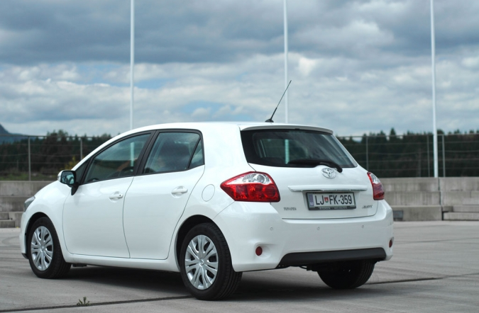 TEST_toyota_auris-03.jpg
