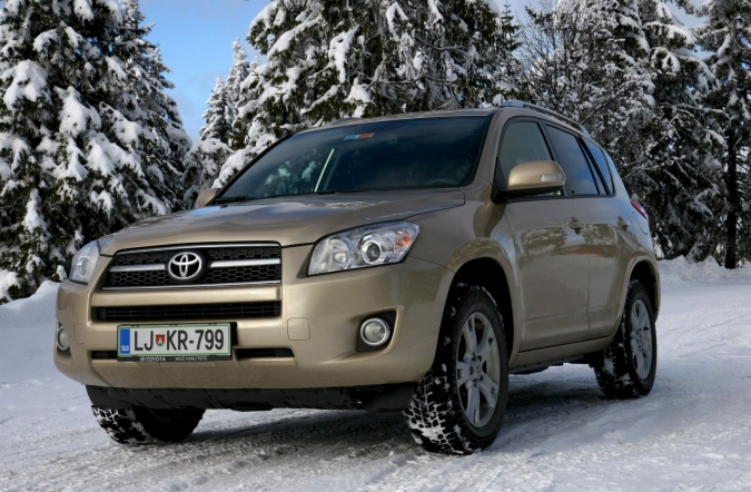 TEST-toyota_RAV4_2,2_D-4D_executive-01.JPG