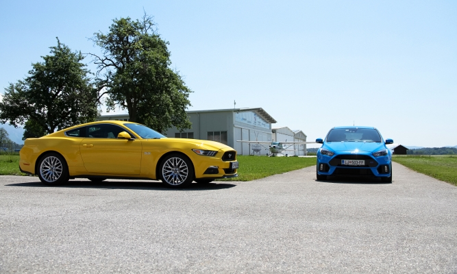 Forda focus RS in mustang GT